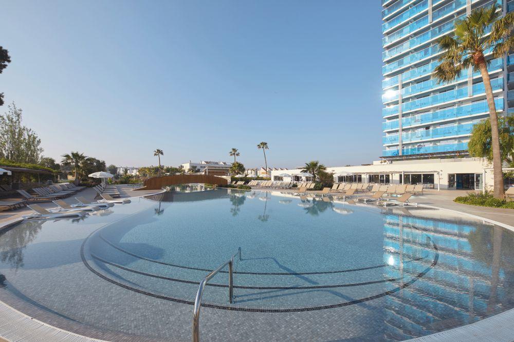 Tonga tower design suites in majorque tui for Hotel design majorque