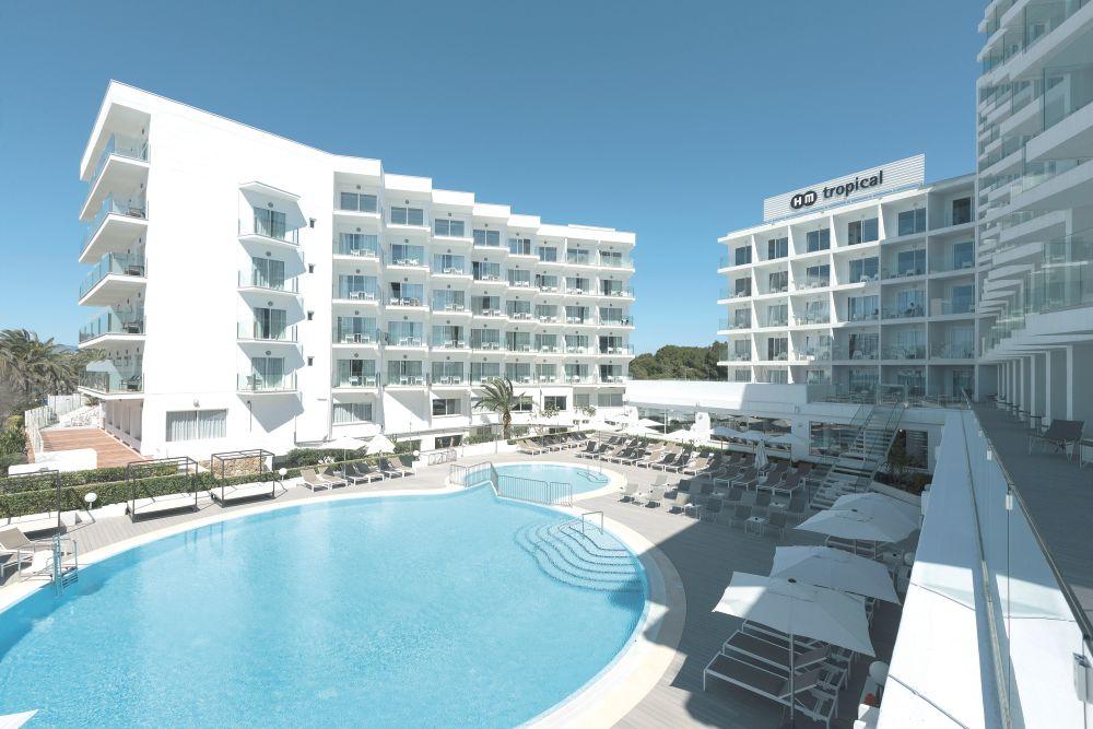 HM Tropical Majorque TUI - Carrelage piscine et tapis handm