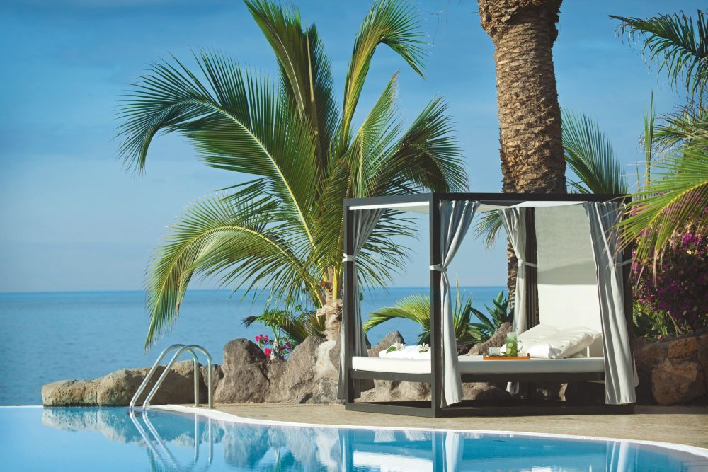 Adri n hoteles roca nivaria gran hotel tenerife tui for Camas tenerife