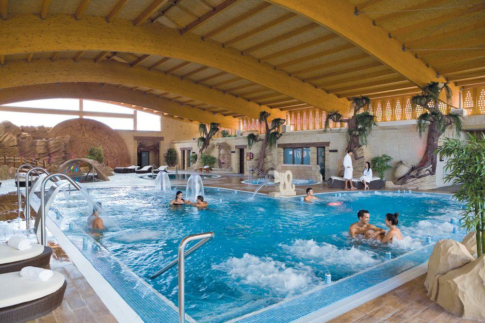 Grand hotel callao sport tenerife tui for Binnen zwembaden