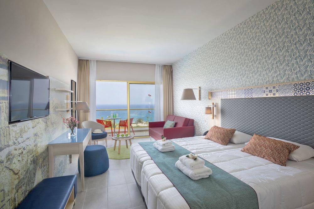 Splashworld Leonardo Laura Beach Amp Splash Resort Paphos Tui