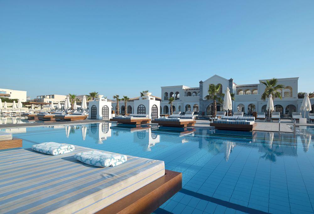 Anemos Luxury Grand Hotel