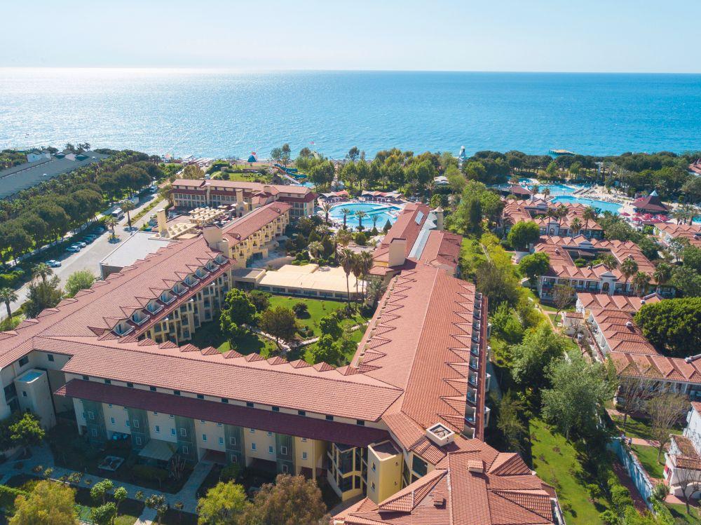 Queenspark Le Jardin Resort