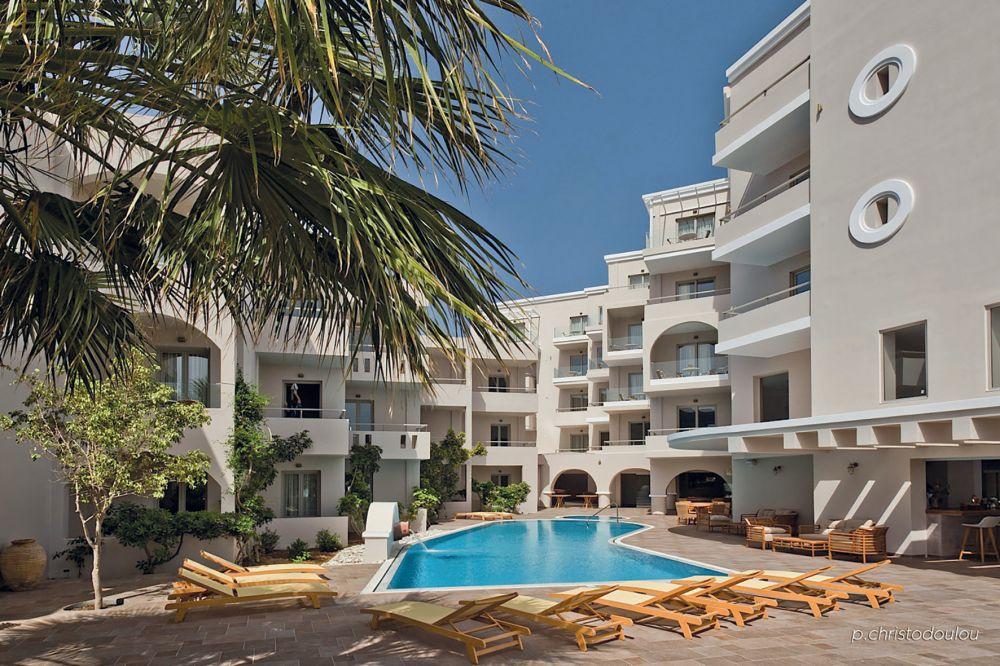 Parasol Luxury Hotel & Suites