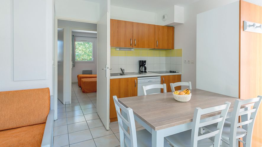 Residence mer golf city bordeaux bruges in gironde for Residence location bordeaux