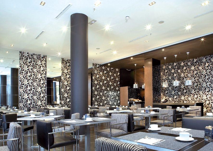 Hotel ac som barcelona tui for Arredamenti ristoranti moderni
