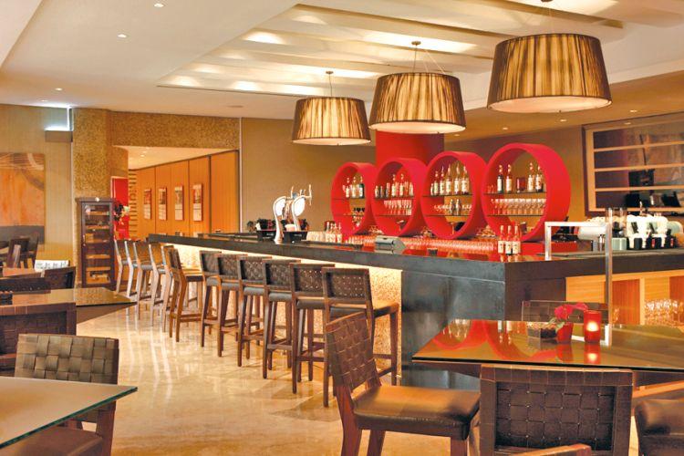 Hotels amwaj rotana destinations lointaines for Salon de coiffure dubai